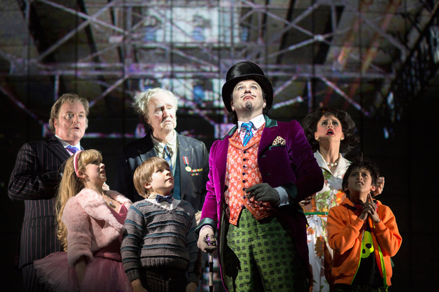 showbiz-charlie-chocolate-factory-production-stills-3