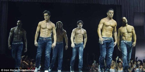 27894E9500000578-3047673-Boys_are_back_Magic_Mike_XXL_reunites_the_male_strippers_from_th-a-1_1429629879648